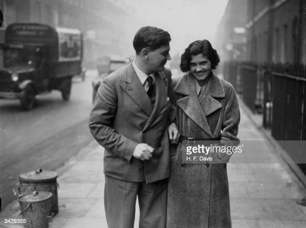 Welsh labour politician Aneurin Bevan MP for Ebbw Vale leaving the Bloomsbury Registry Office London with his new wife former MP Jennie Lee shortly...