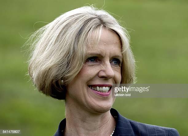 Pädagogin Politikerin SPD DOberbügermeisterin von BonnPorträt
