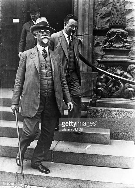 *26071865German politician Member of the ReichstagMayor of Kassel 192025leaving the Reichstag in Berlin