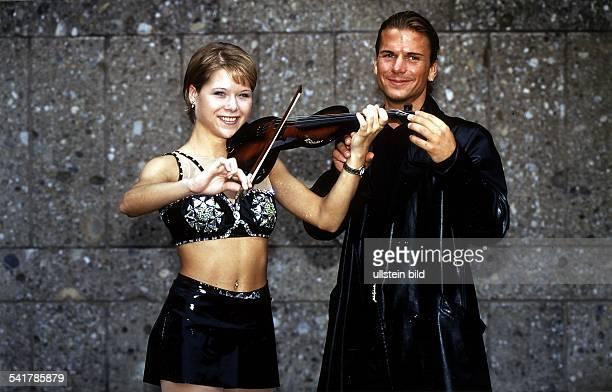 Sportlerin Eiskunstlauf D mit ihrem Freund dem Geiger Marco Polo November 1998