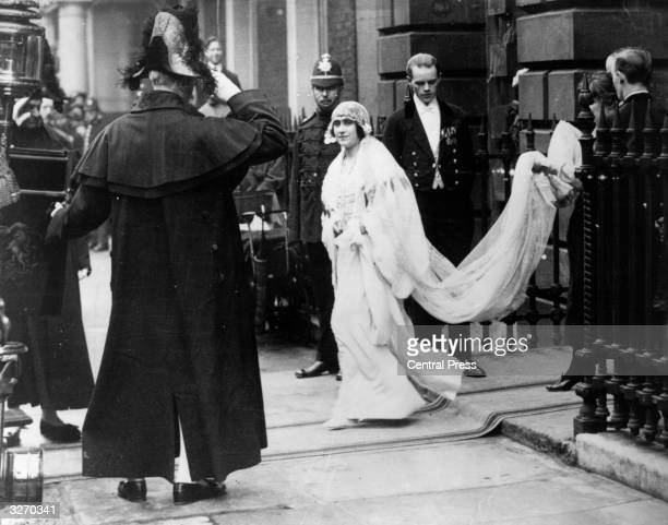 Lady Elizabeth BowesLyon leaves her home for her wedding to the Duke of York the future King George VI
