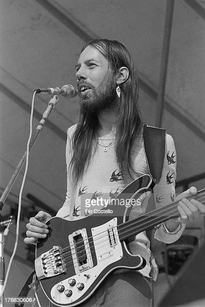 Rod Clements performs live on stage with Jack The Lad at Reading Festival on 26th August 1973