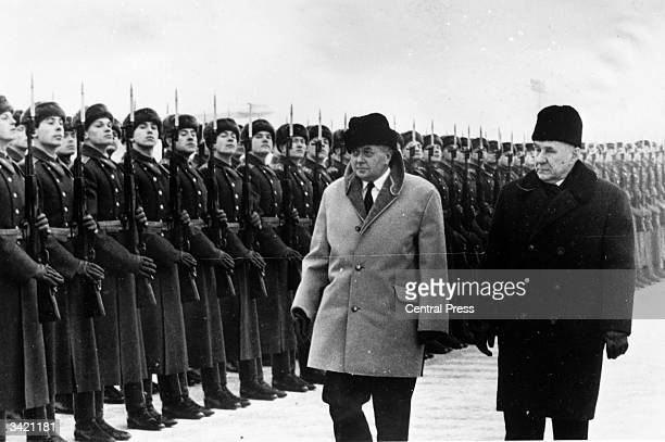 Labour Prime Minister Harold Wilson inspecting troops on a visit to Moscow accompanied by Russin Prime Minister Alexei Kosygin