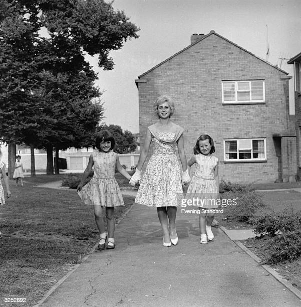 Mrs Barbara Brady Town Show Queen of Basildon Essex with her two daughters