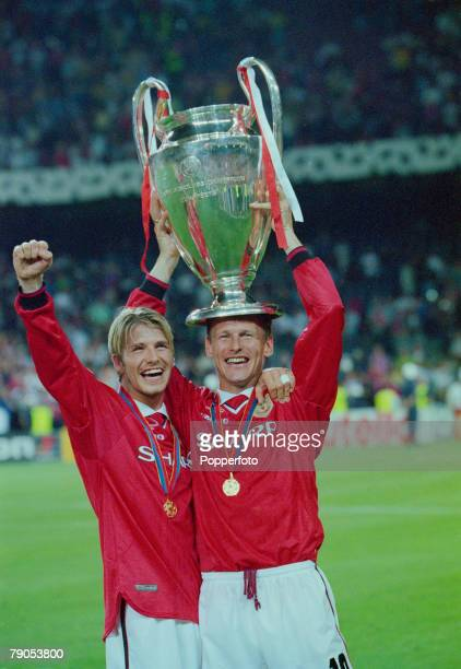26th MAY 1999 UEFA Champions League Final Barcelona Spain Manchester United 2 v Bayern Munich 1 Manchester United's Teddy Sheringham and David...