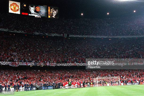 26th MAY 1999 UEFA Champions League Final Barcelona Spain Manchester United 2 v Bayern Munich 1 The Nou Camp scoreboard shows Manchester United as...