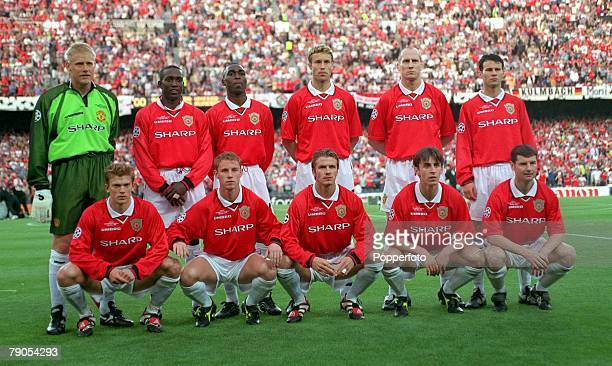 26th MAY 1999 UEFA Champions League Final Barcelona Spain Manchester United 2 v Bayern Munich 1 The Manchester United team pose for photographers...