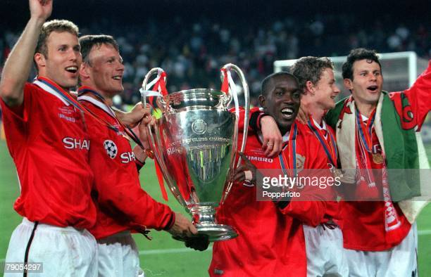 26th MAY 1999 UEFA Champions League Final Barcelona Spain Manchester United 2 v Bayern Munich 1 Manchester United's Ronny Johnsen Teddy Sheringham...
