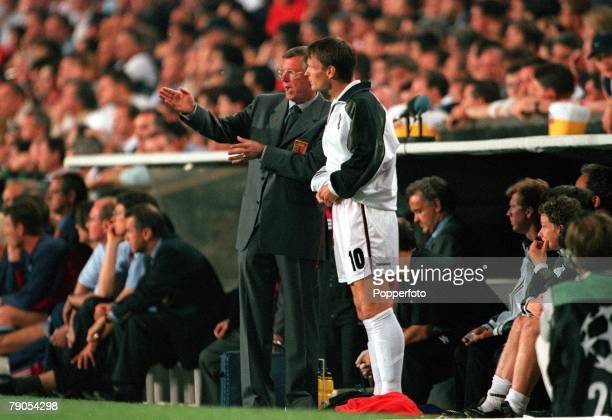 26th MAY 1999 UEFA Champions League Final Barcelona Spain Manchester United 2 v Bayern Munich 1 Manchester United manager Alex Ferguson sends on...