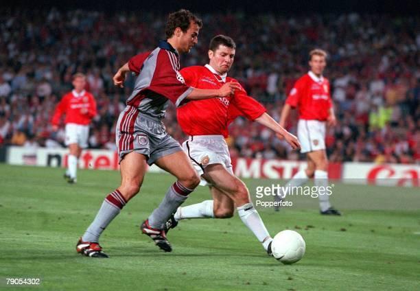 26th MAY 1999 UEFA Champions League Final Barcelona Spain Manchester United 2 v Bayern Munich 1 Bayern Munich's Mehmet Scholl is beaten to the ball...