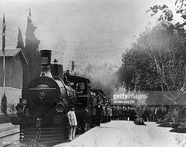 Deutscher Kaiser 1888-1918König von PreussenOrientreise Oktober/November 1898: Fahrt nach Hereke: der kaiserliche Zug in Hereke - in der Mitte G....