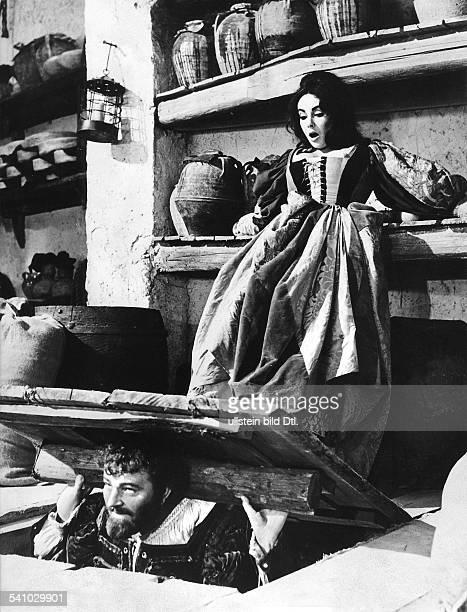 *Schauspielerin USAmit Richard Burton im Film`Der Widerspenstigen Zähmung'Regie Franco ZeffirelliUSA/I 1966