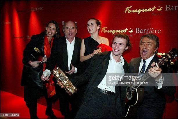 27th Cesar movie awards ceremony in Paris in Paris France on March 02 2002 Stevenin family Claire Jean Francois Salome et Robinson