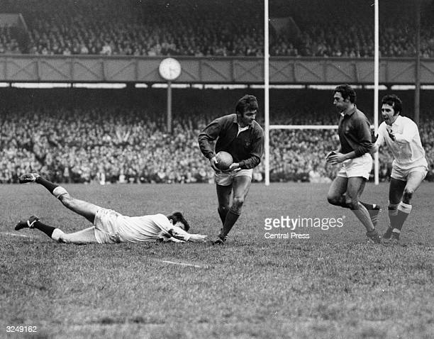 An International rugby match between England and France at Twickenham.