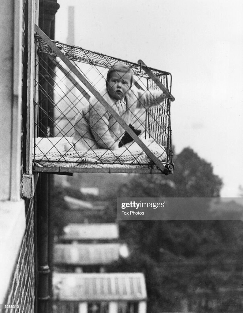 Baby Cage : News Photo