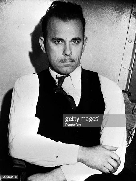 27th January 1934 Dillinger gang captured in Arizona Acting on the tip of a detective story fan police rounded up John Dillinger and three other...