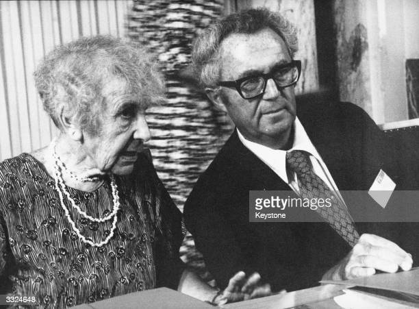Austrianborn British psychoanalyst Anna Freud daughter of Sigmund Freud with American psychoanalyst Leo Rangell at the 27th Congress of the...