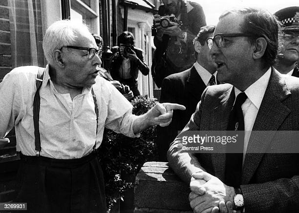 Former Labour Secretary of State for Northern Ireland Merlyn Rees visiting the picket lines at the Grunwick photoprocessing Laboratory Willesden...