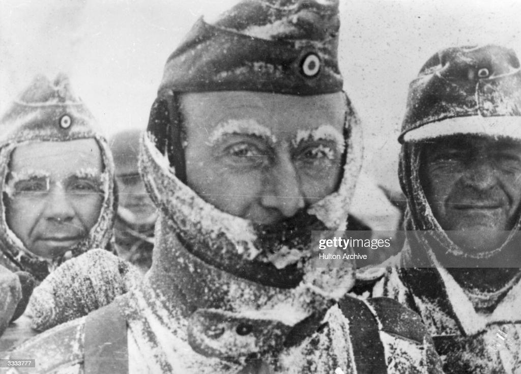 Frozen Soldiers : News Photo