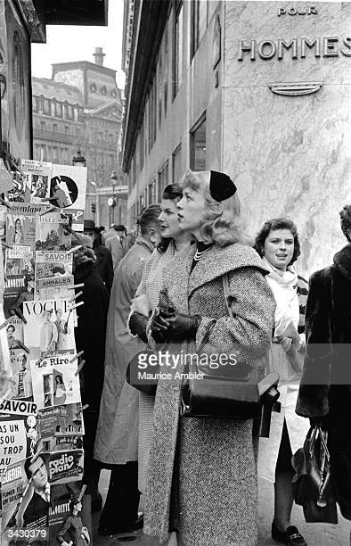 Transsexual Roberta Cowell, formerly Robert Cowell visits Paris with a friend. Roberta was once a Spitfire pilot, prisoner-of-war, racing motorist,...