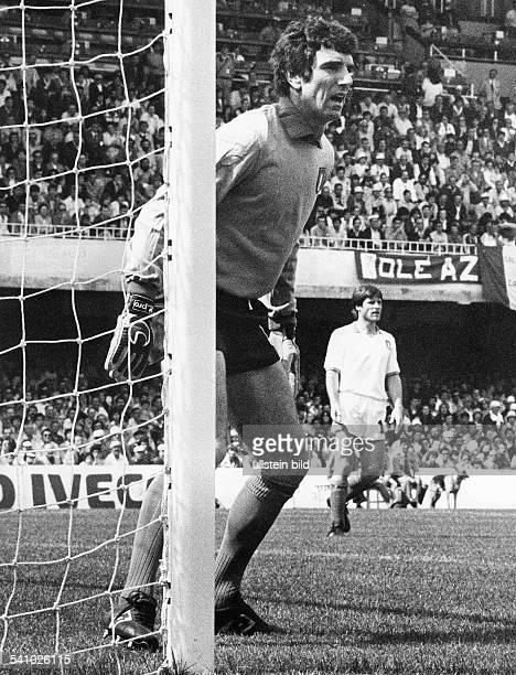 *Fussballspieler ItalienWährend eines Weltmeisterschaftsspielsin Spanien1982