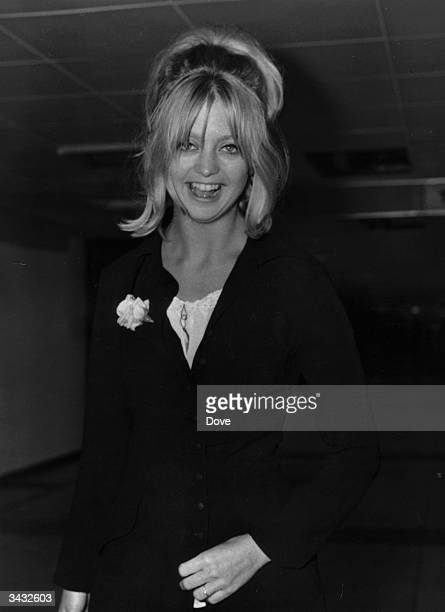 Actress Goldie Hawn at London Airport on her way home to the USA