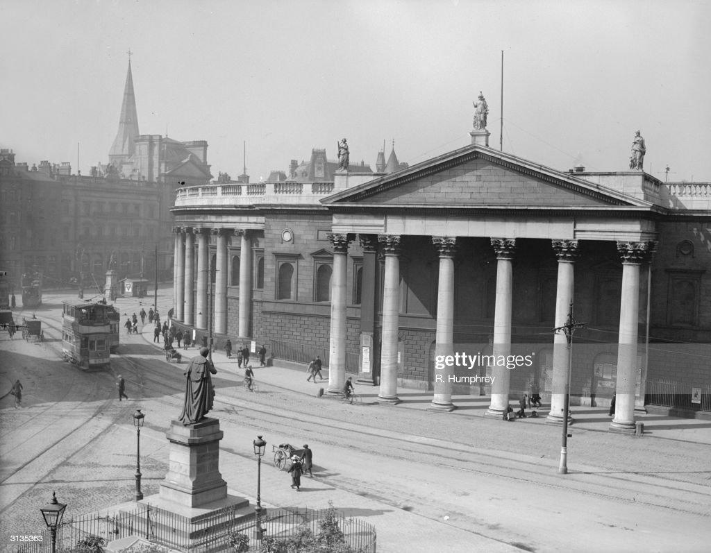 Dublin Bank : News Photo