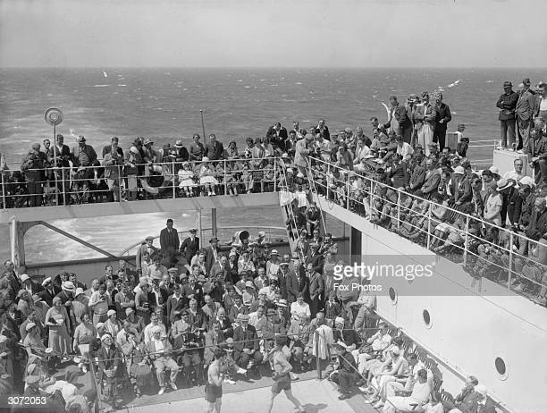 1200 English passengers on a 5 day trip to Gibraltar and back on board the Cunard liner Aquitania A boxing match during the crossing of the Bay of...