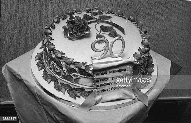 The cake made by Floris Bakeries in London for Winston Churchill's 90th birthday, decorated with a gold rose.