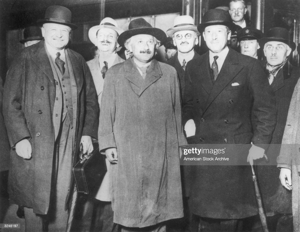 Einstein In London : News Photo