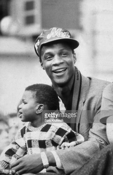 Baseball's Darryl Strawberry and his son Darryl Jr during a ceremony at NYC City Hall honoring the New York Mets World Series champions
