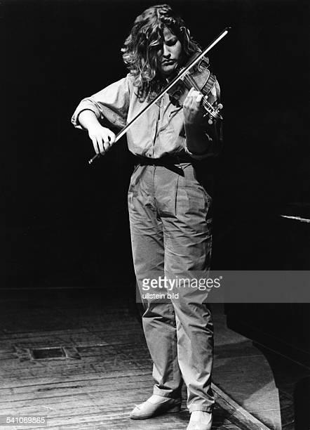 *Musikerin Violinistin DPorträt 1983