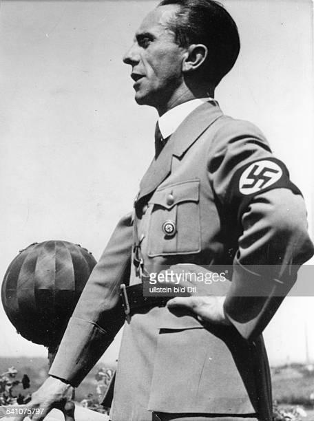 *29101897Politiker NSDAP D bei einer Rede 1936