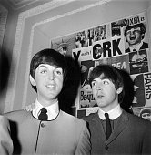 29th april 1964 paul mccartney at madame tussauds waxworks with his picture id3069067?s=170x170
