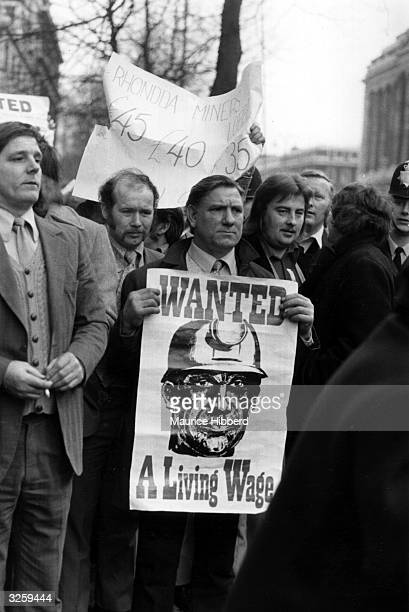 Miners demonstrate outside the headquarters of the National Union of Mineworkers in Euston London