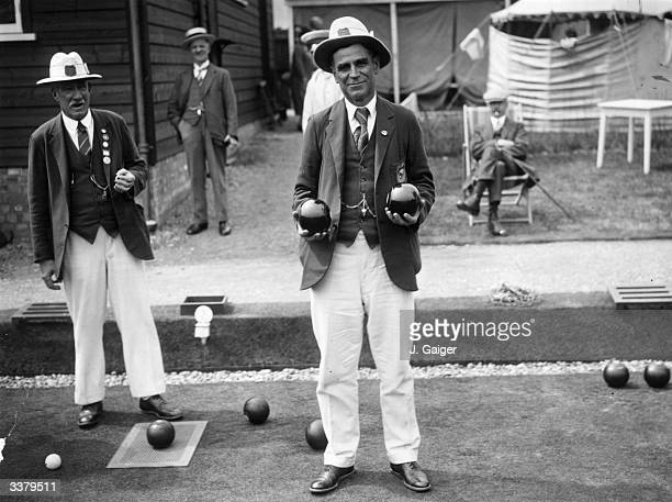 Arey, secretary of the New Zealand Bowling Team, during a match against Buckinghamshire at High Wycombe.