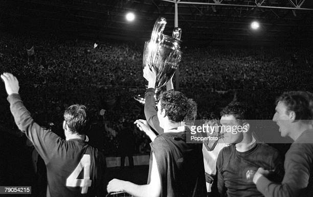 29th MAY 1968 European Cup Final Wembley London Manchester United v Benefica Manchester United's Pat Crerand David Sadler Brian Kidd George Best Bill...