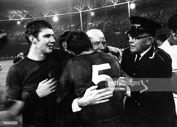 29th MAY 1968 European Cup Final Wembley London Manchester United v Benefica Manchester United's Brian Kidd watches as his manager Matt Busby is...