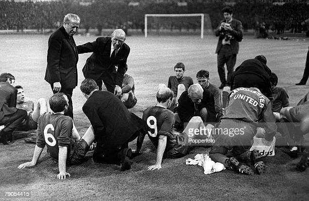 29th MAY 1968 European Cup Final Wembley London Manchester United v Benefica Manchester United manager Matt Busby and assistant Jimmy Murphy talk to...