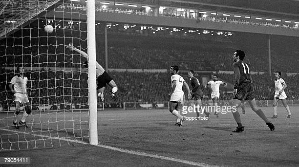 29th MAY 1968 Wembley London European Cup Final Manchester United v Benefica Manchester United's Brian Kidd scores his side's third goal with a...