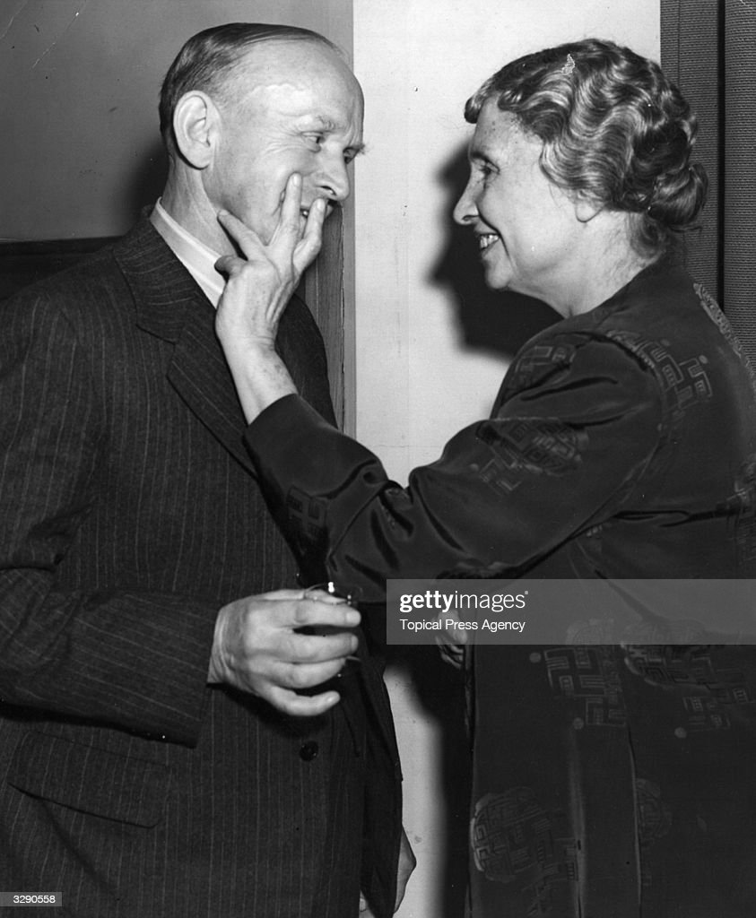 Helen Keller with Wilfred Paling : News Photo