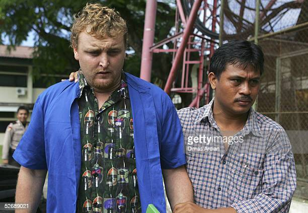 29yearold Martin Stephens of Wollongong Australia is escorted by Indonesian Police through Denpasar prison on April 24 2005 in Denpasar Bali...