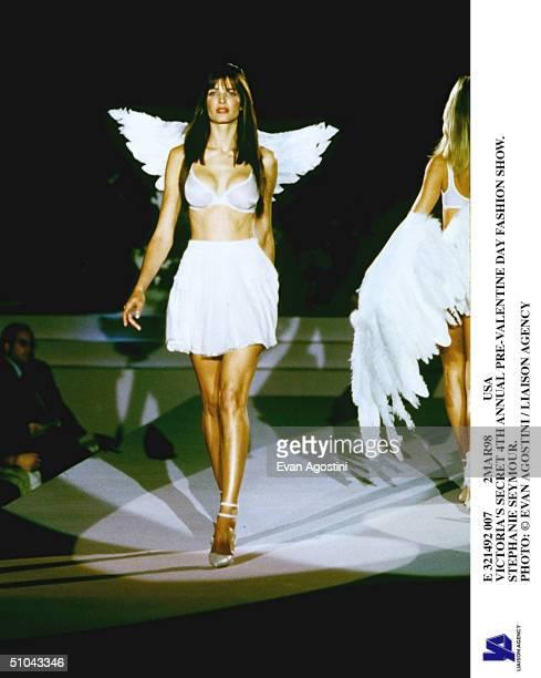 E 321492 007 2Mar98 Usa Victoria's Secret 4Th Annual PreValentine Day Fashion Show Stephanie Seymour