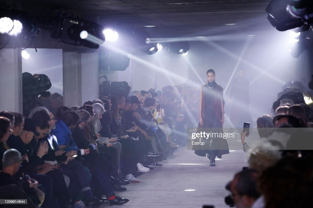 Sacai: Details - Paris Fashion Week Womenswear Fall/Winter 2020/2021 : ニュース写真