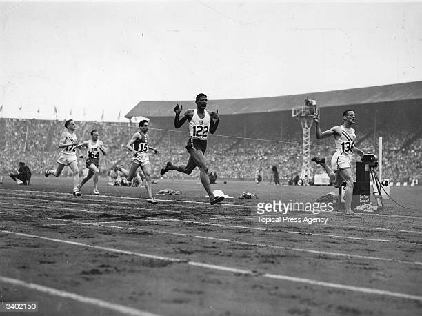Malvin Whitfield of the USA beats Arthur Wint of Jamaica to win the 800 metres at the 1948 London Olympics
