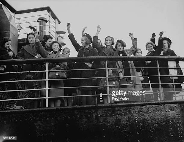 Some of the 5000 Jewish and nonAryan German child refugees the 'Kindertransport' arriving in England at Harwich from Germany