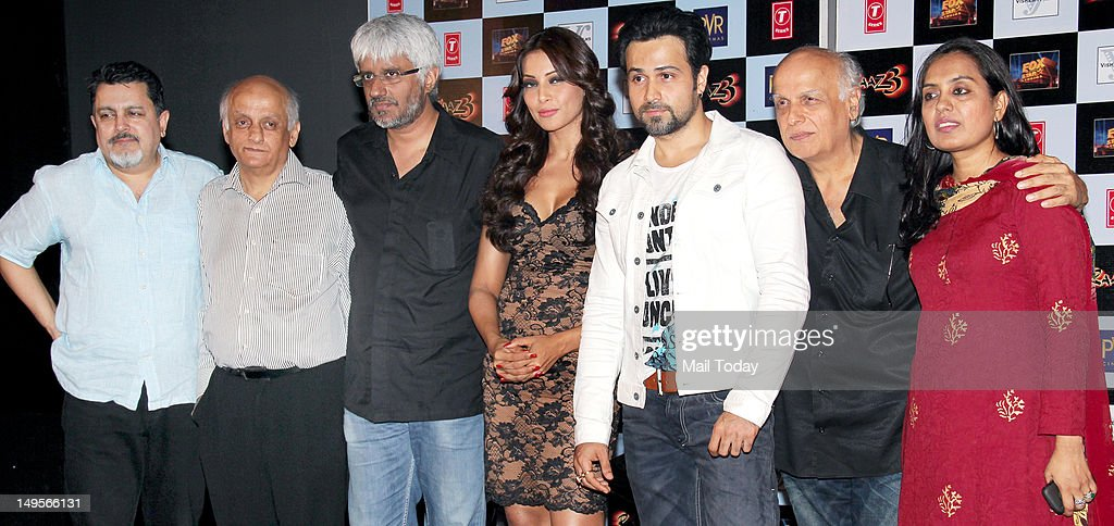 2nd from left Mukesh Bhatt Vikram Bhatt Bipasha Basu Emraan Hashmi Mahesh Bhatt and Shagufta Rafique during the press meet of the movie `Raaz 3` at...
