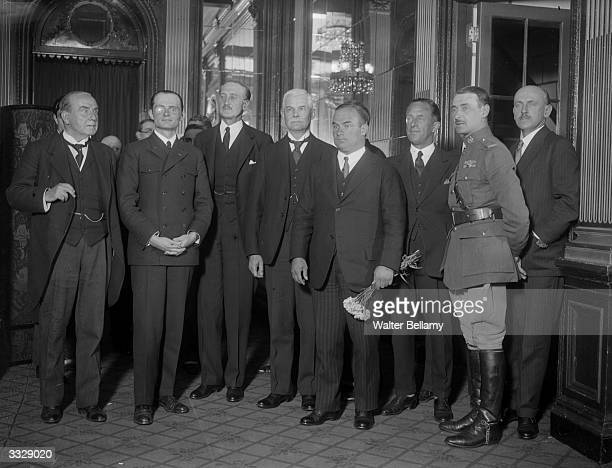 A group of German aviators at a function at the Savoy Hotel London as guests of the Royal Aero Club The group includes Baron von Hunefeld Captain...