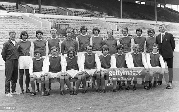The players and coaching staff of Sheffield Wednesday FC. From the back row, and from left to right are : S Downes, C Prophett, S Todd, P Grummitt, J...
