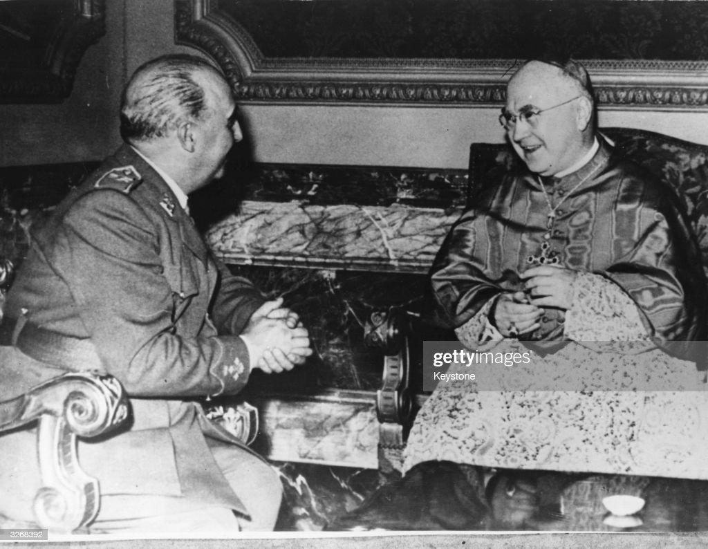 Cardinal Meets Franco : News Photo